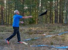 Saappaanheittoa. Kuva: Irja Rajamäki